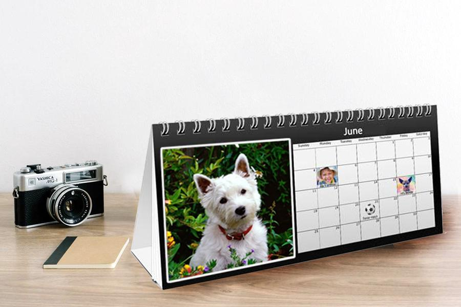 desk calendar with your photos and text